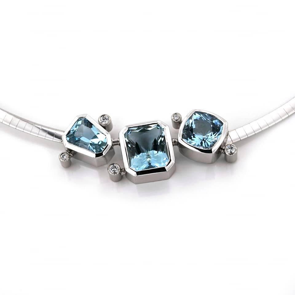 zilveren ketting met blauw saffieren-1