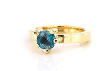 18kt Gouden ring met blauwgroene saffier en een kleine diamant
